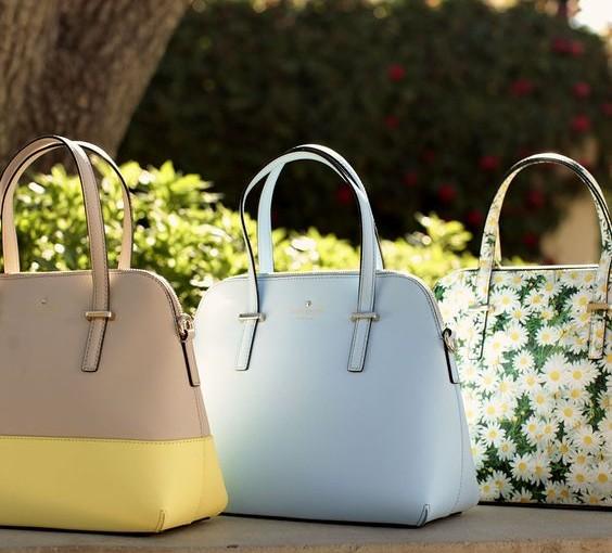 Dámská kabelka – neodmyslitelná součást dámského outfitu